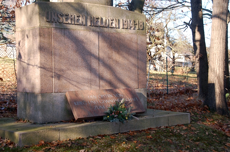 kg Kriegerdenkmal Volkstrauertag 181112 (2) 800