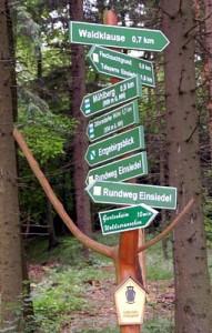 Wegweiser am Dittersdorfer Weg in Einsiedel