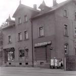 Zwei Geschäfte in der Einsiedler Hauptstr. 82