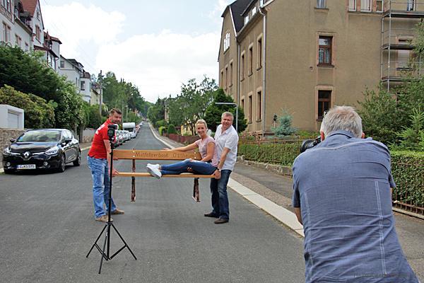 Vorgestellt: Die Einsiedler Mitfahrerbänke, ihre Entstehungsgeschichte & ihre Benutzung
