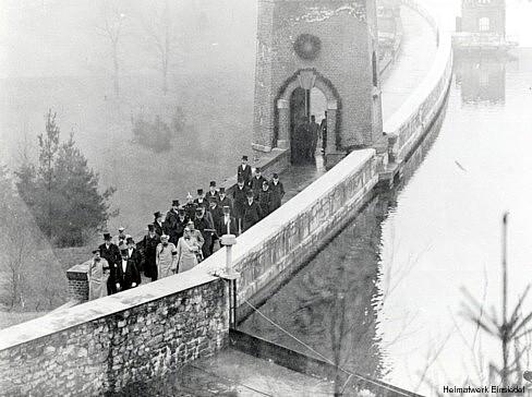 König Friedrich August der III. von Sachsen auf der Staumauer der Talsperre Einsiedel
