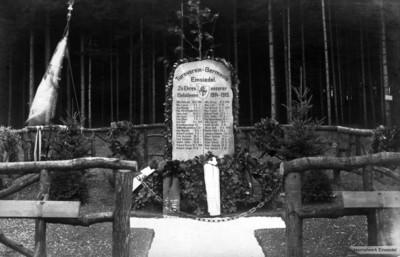 Gedenkstein für gefallene Turner aus Einsiedel