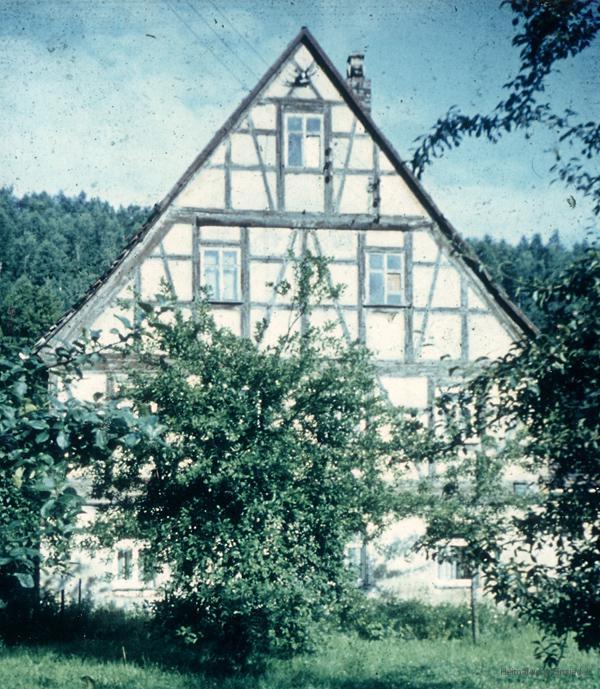 Fachwerkhaus mit Hirschgeweih