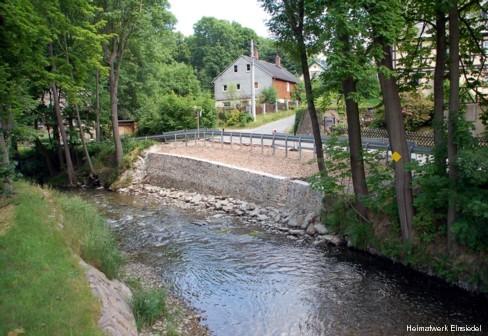 Erneuerte Uferstützmauer in Einsiedel 2008