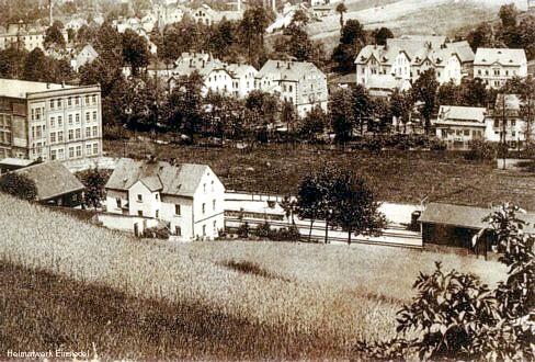 Blick vom Rupfberg Richtung unbebautes Wiesenufer