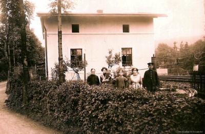 Bewohner des Schrankenpostens Nr. 9 um 1910