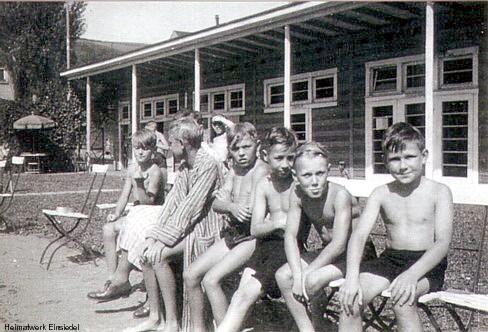KLV-Schüler im Einsiedler Freibad