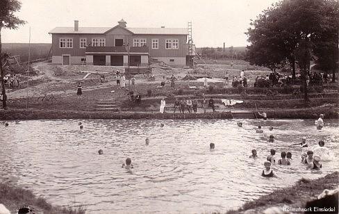 Badebetrieb im Naturbad Einsiedel