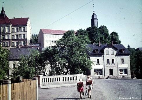 Einsiedel 1961: Die neue Schule ist fertiggestellt