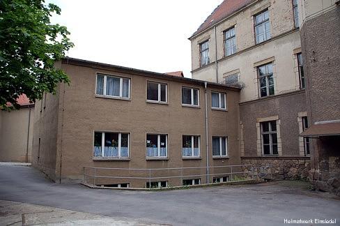 Schulanbau von 1976 im Juni 2006