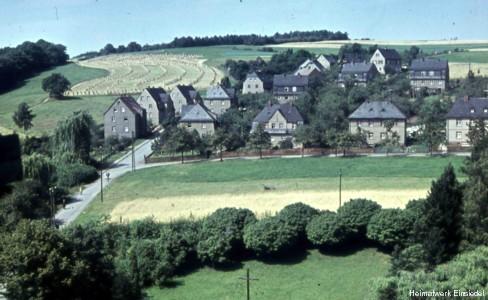 Einsiedler Pfarrhübelsiedlung in den 1950er Jahren