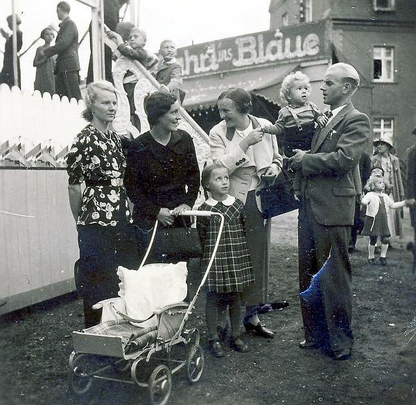Kirmes auf der Idawiese in Einsiedel 1937