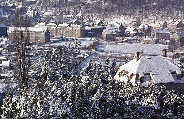 August-Bebel-Platz und Walter-Wieland-Hain im Winter 1971