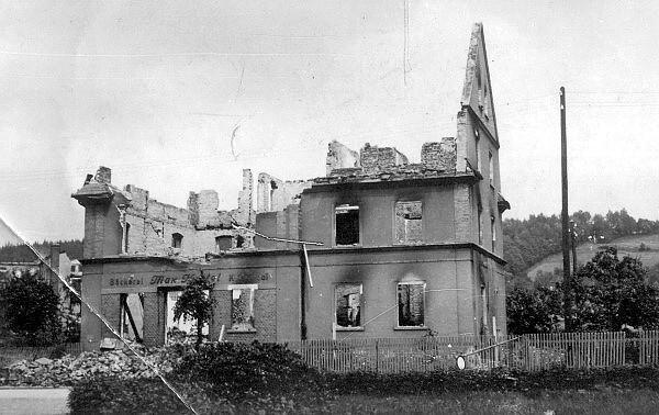 Ruine der Bäckerei Hertel 1945