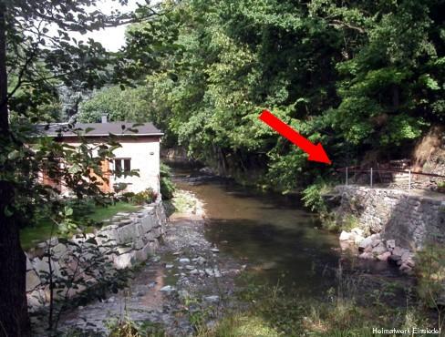 Auflagepunkt der ursprünglichen Hahnbrücke vor 1920