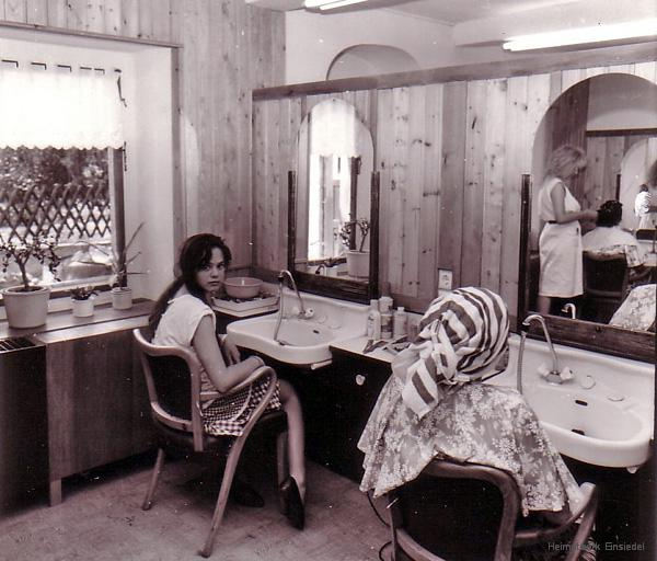 Friseursalon Andra Hamaer, Einsiedel, früher Friseur Belling