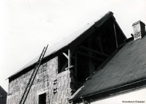 Aufgestocktes Wohnhaus in Einsiedel, Hauptstr. 98, 1965 bis 67