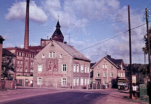Wohnhaus mit Wohnungen für Bedienstete der Brauerei Einsiedel Mitte der 1960er Jahre
