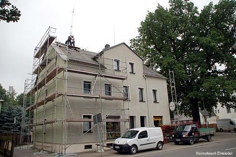Neuer Funkmast für Amateurfunk auf dem Dach in der Einsiedler Hauptstraße 89 2012