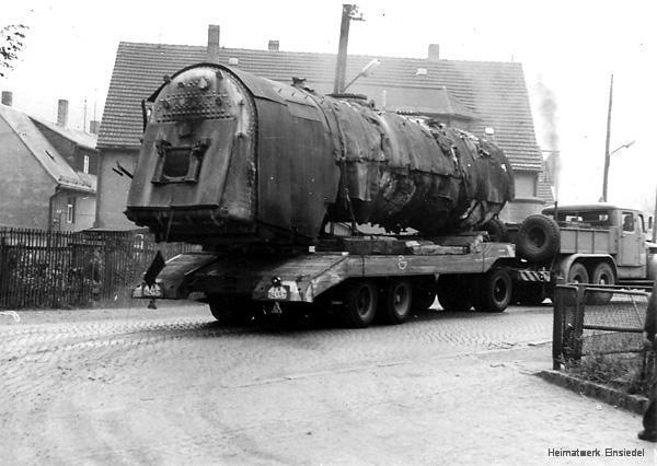 Abtransport des Lokkessels aus dem Einsiedler Brauhaus (volkseigen)