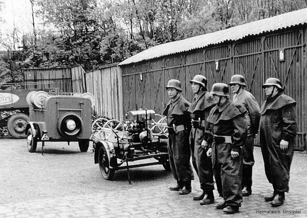 Männer der Werksfeuerwehr der Brauerei Einsiedel in den 1950er Jahren