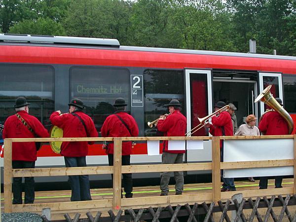"""Einweihung des Behelfsbahnsteiges an der Privatbrauerei """"Einsiedler Brauhaus"""" an Christi Himmelfahrt 2006"""