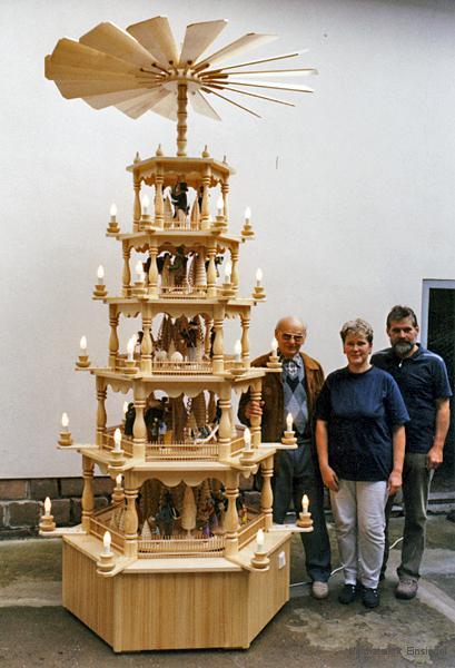 Pyramide für das Dresdner Rathaus von der Fa. Werner Glöß in Einsiedel