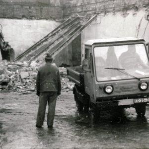 Abbruch alter Lagerräume im Einsiedler Brauhaus 1988