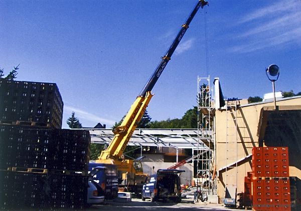 """Bau eines neuen Vollgutlagers in der Privatbrauerei """"Einsiedler Brauhaus"""" im Herbst 2004"""