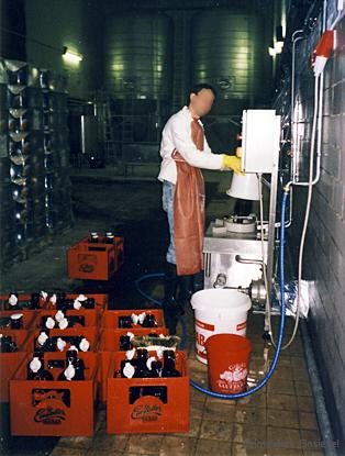 Handwaschanlage für Bierkrüge (Zwickelbier)