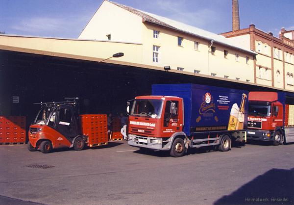 Brauereieigene Lkw im Einsiedler Brauhaus um 2004