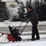Schwer zu kämpfen hat die Schneefräse - Bilder des Tages