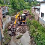 Bauarbeiten am Brückenmittelpfeiler - Bilder vom Tage